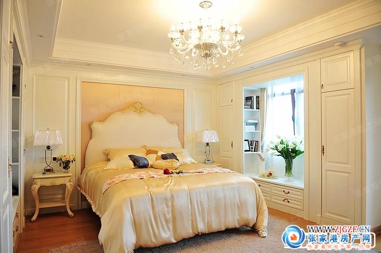 联排欧式风格样板间总统套房设计尽显主人尊贵气派